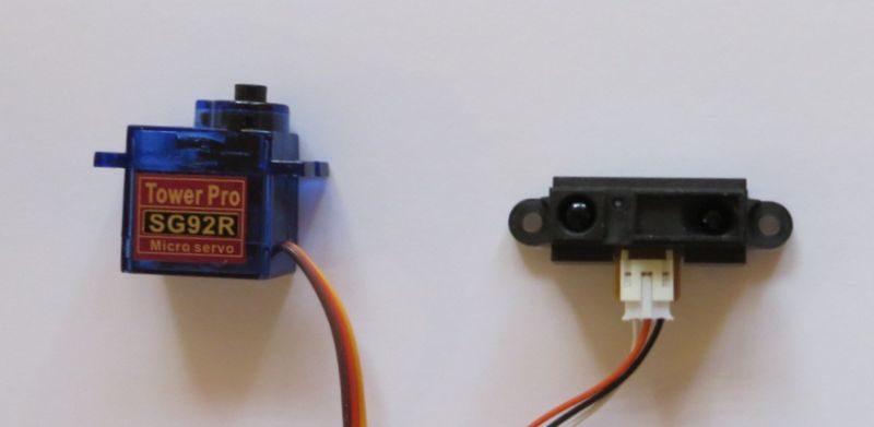 いちごロボに使ったサーボモーターと距離センサー