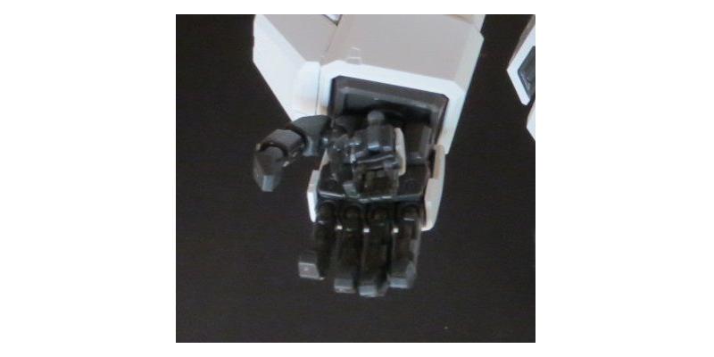 PGユニコーンとRGのガンダムMk-IIの手