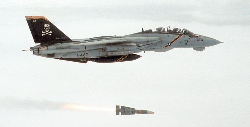 F-14とフェニックスミサイル