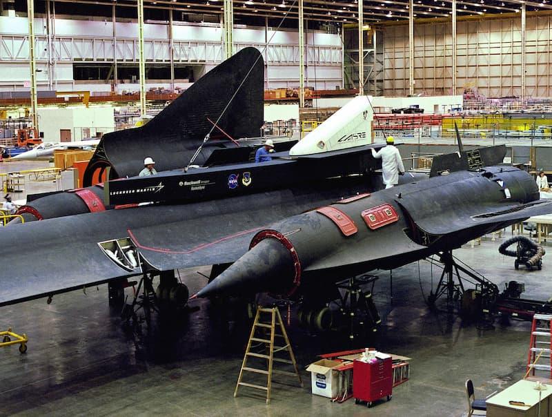 SR-71のLASREポッドの飛行前点検