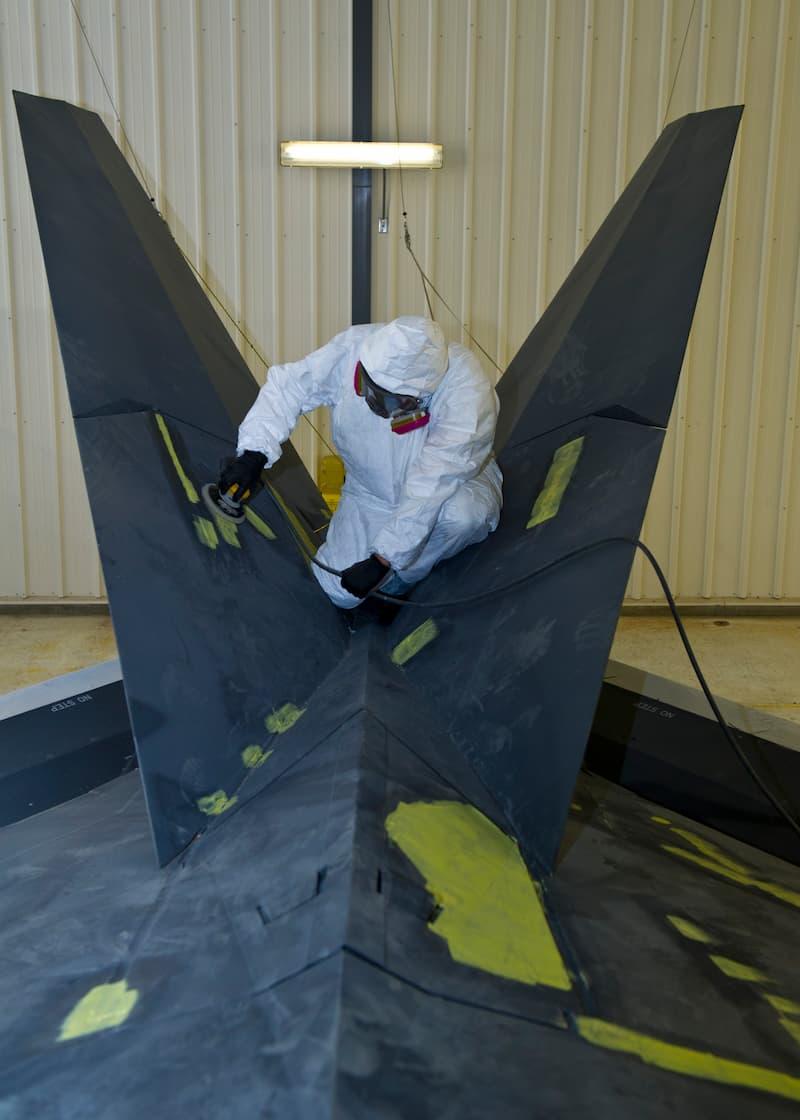 F-117:Holloman refurbishes retired F-117 Nighthawk