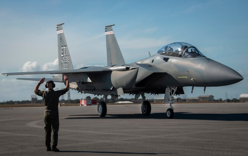 F-15EX初号機:AF's first F-15EX arrives at Eglin