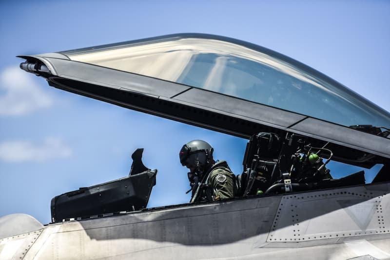 F-22:15th Wing vice commander completes fini flight
