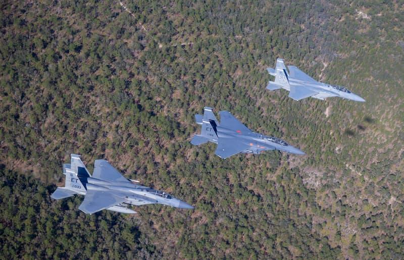EGLIN AIR FORCE BASEに向け飛行中:AF's first F-15EX arrives at Eglin