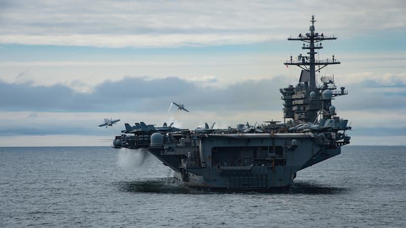空母USSセオドア・ルーズベルト(CVN-71)