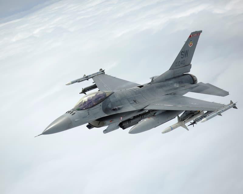 F-16:Tankers fuel Sentry Savannah