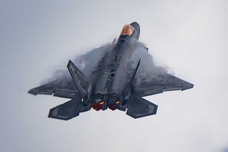 F-22の推力偏向ノズル